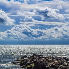 Небо... Море... Облака...