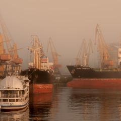 Туманний ранок в порту
