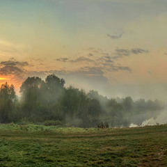 Про то, как утренняя заря с речки туман сдувала...