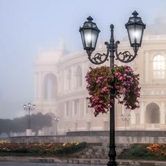 Туманный рассвет Театральной площади.