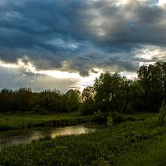 Вечірній пейзаж травня