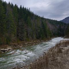 Река кристальной чистоты...