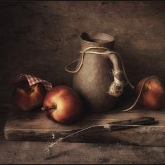 Натюрморт с персиками..