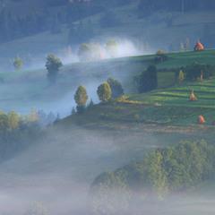 Сонце туман проганяє