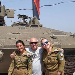 С Днём независимости Израиля! (автопортрет с армией)