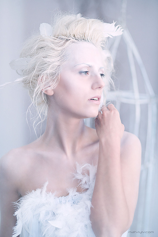 Красиво обработать фото в белых тонах