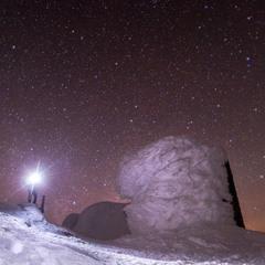 Зоряна ніч біля обсерваторії