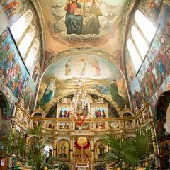 Красота росписи монастыря