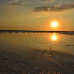 Как солнце перед сном говорит со своим отражением