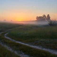 Дорога в утренний туман...
