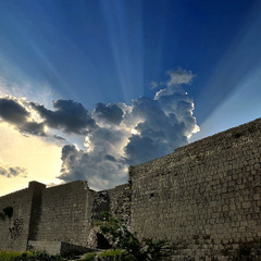Мур Костянтина після дощу, 3 ст. н.е.