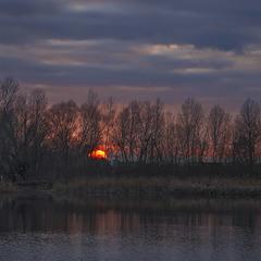 Вечір - ніч на озері Небреж на новий рік китайський.