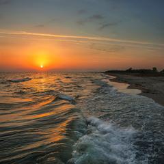 Не всякою сонячною доріжкою добіжиш до сонця, бо на деяких доріжках тре ловити рівновагу на хвилях.