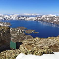 Кальдерові озера на дні вулкану Немрут.