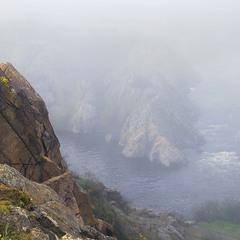 За туманом нічого не видно на світанку.