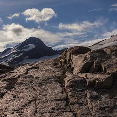 Камені здалеку й зблизька.
