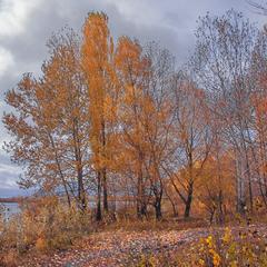 Жовтень і озеро Тягле.