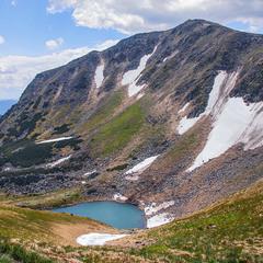 Гутин Томнатик - гора, Бребенескул - озеро, край на обрії - волоський, місяць - травень.