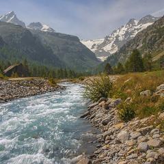 Структурувати звичайну воду так само непросто, як і звичайну свідомість.