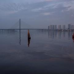 Відображення живуть своїм життям - цікавим і мінливим, а міста - своїм.