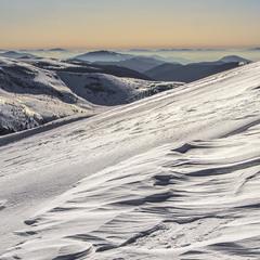 - А що, залежить структура свідомості від структури снігових заметів? - Ще й як!