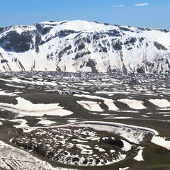 Дно кальдери (застистиглої магми) вулкану Немрут.