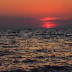 Буває, хвилювання моря передається чАйкам, чайкАм, чайникам і людям. І цьому немає ради.