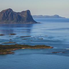 Острови, острівці свідомості, берег сподівань, протоки безумовної втіхи.