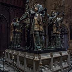 Склеп пана Колумба в катедральному соборі міста Севілья.