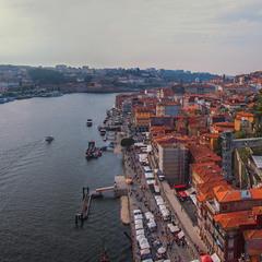 В місті Порту увечері в жовтні - не так все просто. Але й не складно.