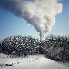 За клубами дыма