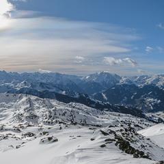 панорама с Альпйскими вершинами...