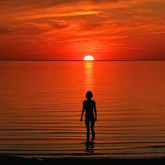 Девочка и солнце
