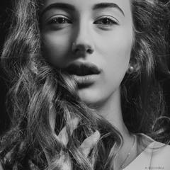 Genre portrait. A fashion model in one of the styles of modern presentation ... A. Krivitsky.
