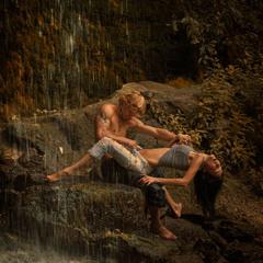 Под тихий  шёпот водопада....