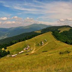Полонинами Черногорья