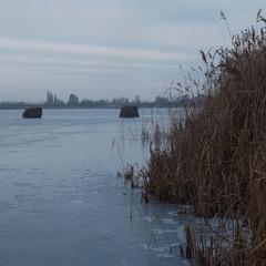 Йшла зима, хозяйнувала, річку кригою скувала...