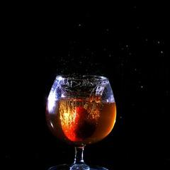 полуничне вино