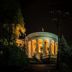 """Ночной """"Октябрьский"""""""