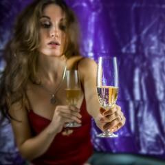 Выпьем шампанского