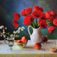 Натюрморт с букетом красных тюльпанов