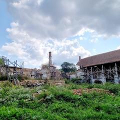 Поморянський замок-палац.