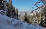 В горы по ущелью