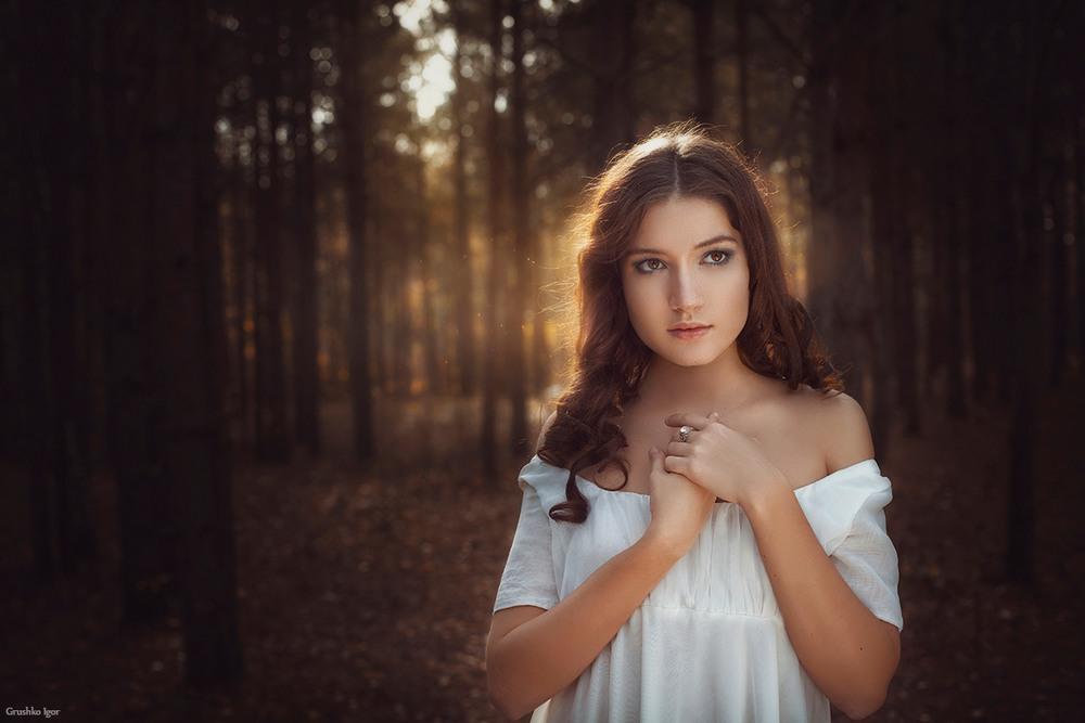 Девушка в лесу картинки без обработки, счастья прикольные открытка