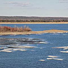 Апрельская Волга