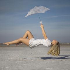 Каждая девушка умеет летать !