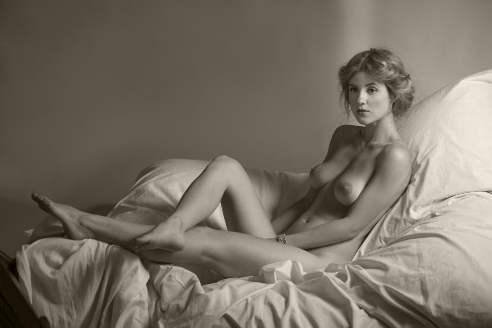 eroticheskoe-foto-naturshitsi