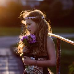 Девочка на мосту