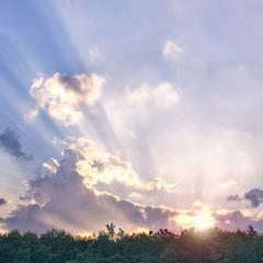 Последний луч заходящего солнца