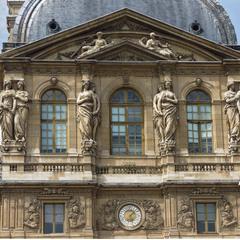 дворец Лувр барильеф